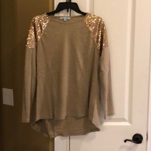 She and Sky Sequin Shoulder Top